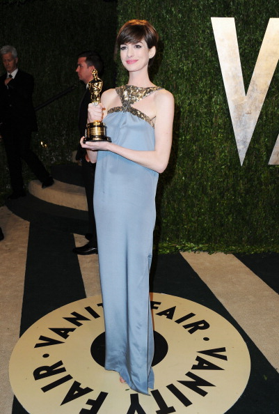 Anne Hathaway de Saint Laurent Paris